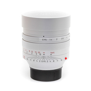 Leica M-50mm f/0.95 Noctilux ASPH Silver_Sold Out